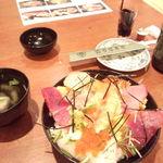 26315484 - ランチ海鮮丼\1,080