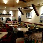 カフェ プレイズナイス - テーブル席