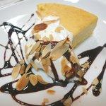 カフェ プレイズナイス - スフレ チーズケーキ