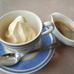 レストラン二ッ森 - 料理写真:アフォガード・・・レイザーラモンのモノマネをしながら食べました~(*´∀`*)~