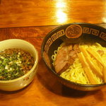 聖夜 - ボリューム満点なつけ麺