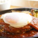 Cafe Lychee - しっかり食べても身体にや・さ・し・い!牛肉100%無添加ハンバーグ