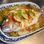 魚のレモン蒸し(プラー・ヌン・マナオ)