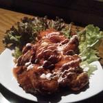 マジカル - 鳥唐チリソース煮。これも500円。ボリュームがあるし、美味しかった。