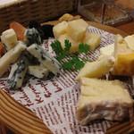 26344355 - チーズ盛り合わせ