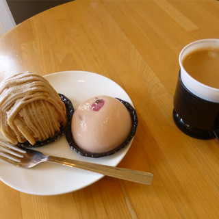 モン・シェリー - 料理写真:ケーキとコーヒー
