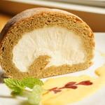 Cafe Lychee - 米粉100 %のロールケーキ