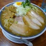明心角ふじ - ラーメン650円+麺大100円+小ぶた150円