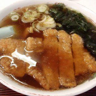 いこい食堂 - 料理写真:かつラーメン(正油);たっぷりスープで麺見えません (^^;) @2014/04/15
