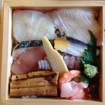 26354208 - ひっくり返すと実は豪華なチラシ寿司