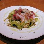 2636345 - ハムの塩気とドレッシング、野菜の味が絶妙に絡んでいる