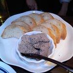 スウィートレイン - 秋刀魚のリエット。これとてつもなく旨い。これだけで飲めてしまう。