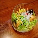 konkitchen - 見た目もお洒落なシャキシャキ食感のサラダ。