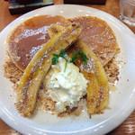 Sutefore - キャラメリゼした丸ごとバナナのパンケーキ