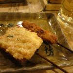 26371813 - えびパン(海老すり身を食パンに)、オランダ(かしわのミンチを揚げたもの)。うまー!
