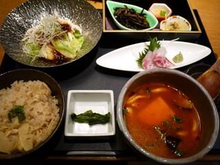 音音 上野バンブーガーデン店 - 健康野菜の彩り御膳 1370円。