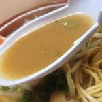 一楽ラーメン - このスープは必ず完飲ですよ〜♪