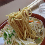 一楽ラーメン - チャンポン麺に近いほどの太麺に味噌と野菜の甘味が最高です!!