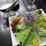 ヨコヤマ ユーランド鶴見 - 料理写真:サラダ