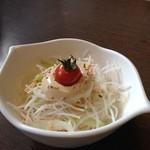 びっくりドンキー - びっくりドンキー 伏見店の和セットのサラダ417円(12.11)