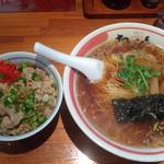 26384559 - 支那そば(醤油)+豚めし