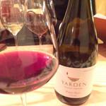 Italian Bar guri - 赤ワイン  ヤルデン・ピノ