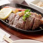 近江牛創作料理 久ぼ多屋 - 料理写真:【近江牛ステーキ】当店を代表とする自慢の一品です。