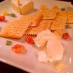 seasonal bar Nanairo - チーズ盛り合わせ