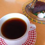 徳光珈琲 - 料理写真:グァテマラ(300円)ガトーショコラ(300円)