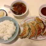 26398521 - 餃子ライス880円