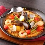 スペインバルエルソル - ムール、あさり、エビの旨味がたっぷり!海の幸のパエリア
