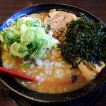 中華蕎麦 御輿 - 2014年4月4日(金) 中華蕎麦(特濃)830円+ホームページクーポンでネギトッピング