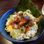 中華蕎麦 御輿 - 2014年4月4日(金) ランチセット「豚めしセット」の豚めし(麺料金+200円)