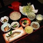 宮古そば 権三郎 - 会津の郷土料理と山菜料理!十割そばは食べ放題です。