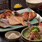 ◆三種干物定食 あじのたたき付き…2,250円