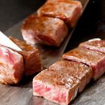 神戸牛ステーキ Ishida. - 料理写真:神戸牛を焼き音から楽しめる瞬間!