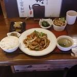 26403796 - 酢豚ランチ:680円ご飯お代わりOK!