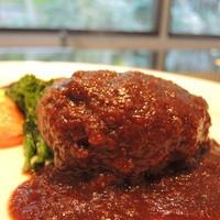 キッチン イトウ スタイル - 国産牛100%のハンバーグステーキ