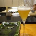 まつむら - 日本のメーカーのおいしいベルギービール。これは、白。