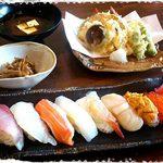 お肉&魚介Diningはっちゃく - 料理写真: