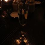 26440085 - スパークリングワインで乾杯