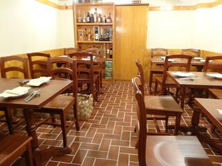 OSTERIA il FUOCO - 雰囲気のある店内