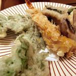 日本料理 桜楽 - <4月夜魚>天ぷら、タラの芽、穴子、べいか、海老のアーモンド揚げ