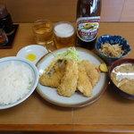 26441835 - 盛り合わせフライ(切干大根煮)定食 690円