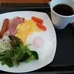 26444101 - 控え目の朝食