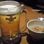 Shubouuoman -  生ビールは1杯600円もします。しかもサントリープレミアムモルツ。付出しのタケノコは400円もします。