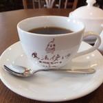魔法使いのおばあちゃま&ココちゃん - ホットコーヒー