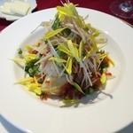 リバージュ イソヤマ - タラバガニ、黒鯛、こやり烏賊、リンゴのサラダ仕立て