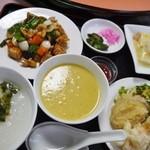 桂林 - A定食1300円