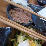 26459097 - 大根おろし、イカ塩辛、自家製キムチ・・・ すべて食べ放題だそうです!